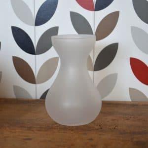 Vase classique blanc mat